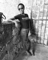 Mbesso Sonita Fabiola relax sur cette photo en noir et blanc